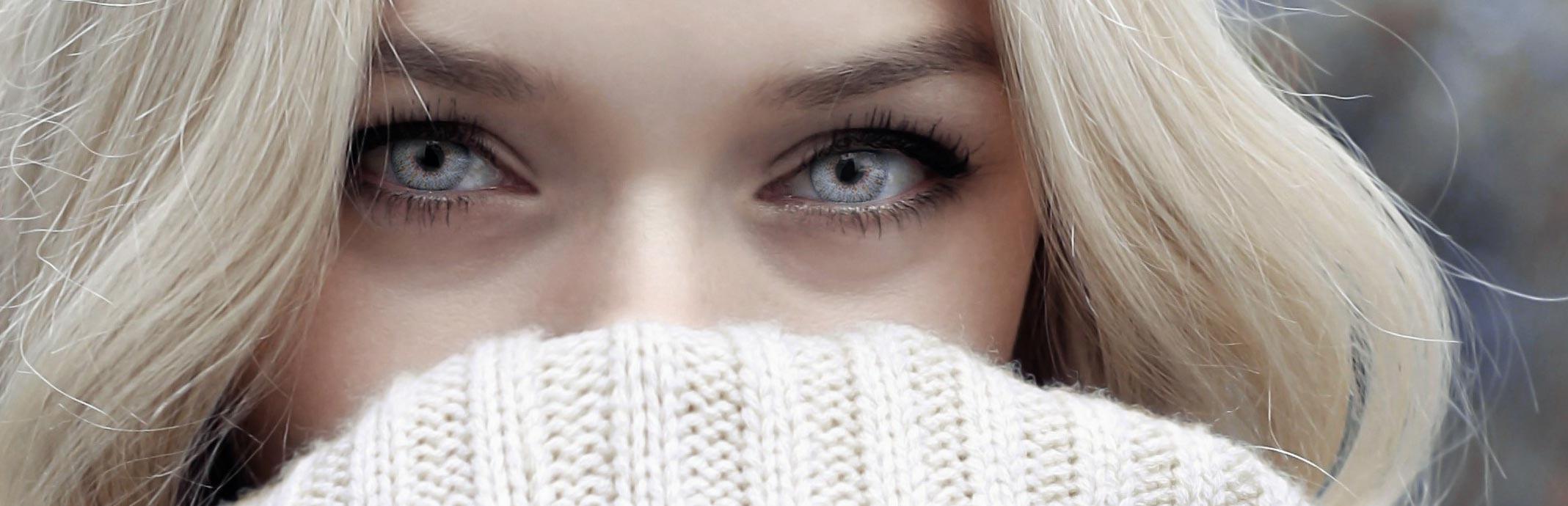 blonde-sweater-slim-4.jpeg